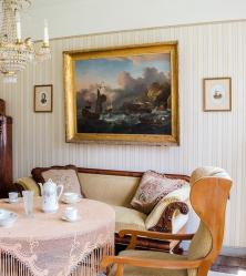 foto met meubels ontruimd worden bij het overlijden van de bewoner